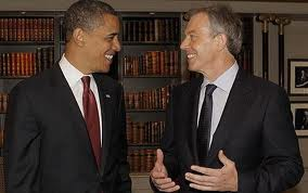 Obama y Blair, sonrisas y libros