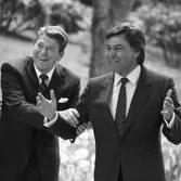 Felpie González junto a Ronald Reagan