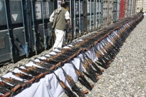 Armas requisadas a emrpesa privada en Kabul. Foto: EFE