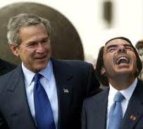 Aznar ríe junto a Bush