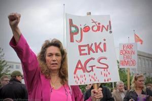 Protesta en Reyjavik