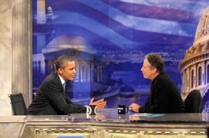 "Obama durante na pausa comercial en en el programa ""Daily Show with Jon Stewart"" Foto AP"