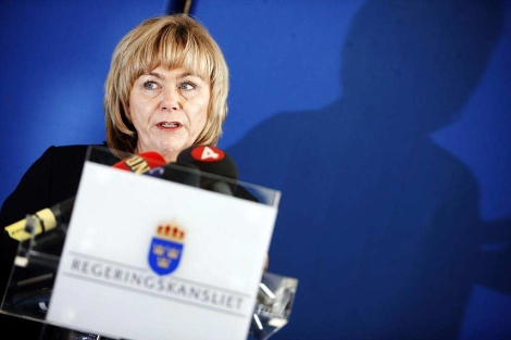 La ministra de Justicia sueca, Beatrice Ask, denuncia la existencia del sistema de vigilancia de la embajada de EEUU.