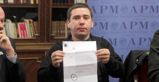 Javier Couso, denuncia ante la prensa en Madrid