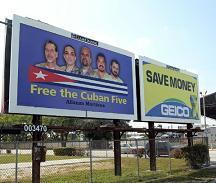 Valla que pide libertad para las Cinco en Miami