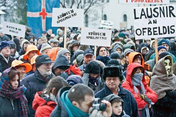 Manifestantes en Islandia