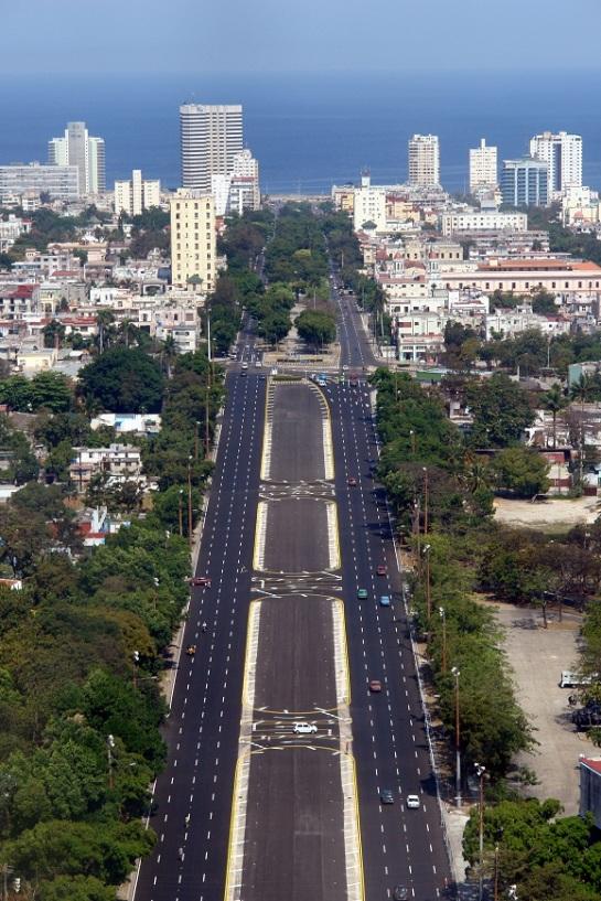 Calle Paseo en La Habana
