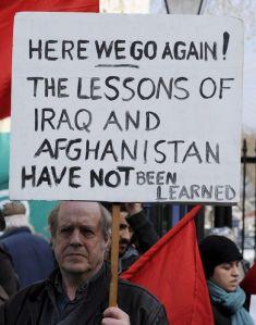 Protestas contra intervención en Libia