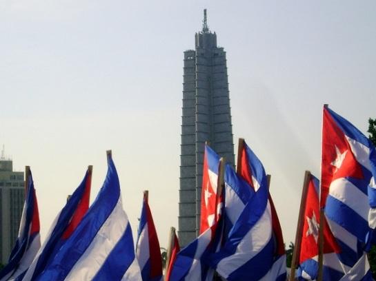 Banderas en la Plaza de la Revolución en La Habana, Cuba. 16 de Abril. Foto: Rubén Sánchez