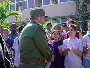 Fidel durante una visita la Universidad de las Ciencias Informáticas en La Habana