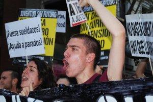 Fuera sueldazos, ayudas a parados, reclaman en Madrid. Foto: La voz de la calle.