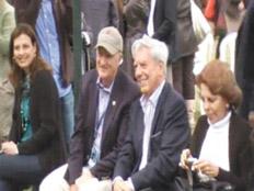 Mario Vargas Llosa agasajado por la derecha argentina