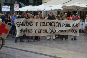 Protesta en Málaga,España, a favor de Educación y Salud públicas. Foto: IPS.