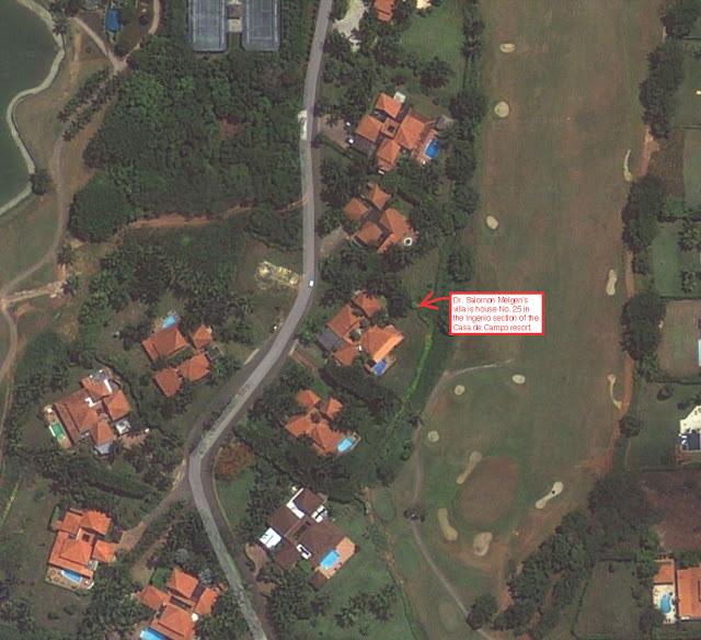 Las imágenes de satélite muestran la casa y la piscina situada junto a un campo de golf en calle el proyecto Ingenio.