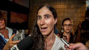 Yoani Sánchez ante la prensa en Brasil