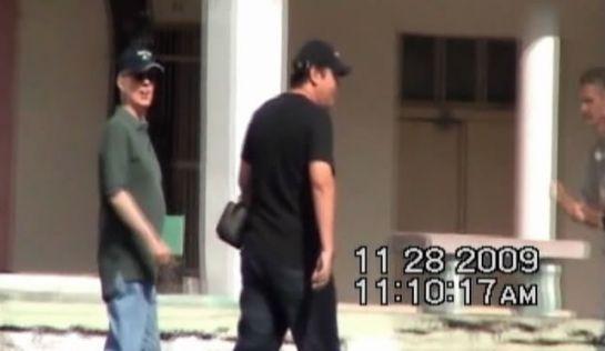 Foto sacada por los servicios de inteligencia cubanos de un encuentro entre Raúl Capote y el agente de la CIA René Greenwald.