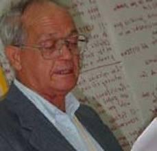 Reverendo Raúl Suárez
