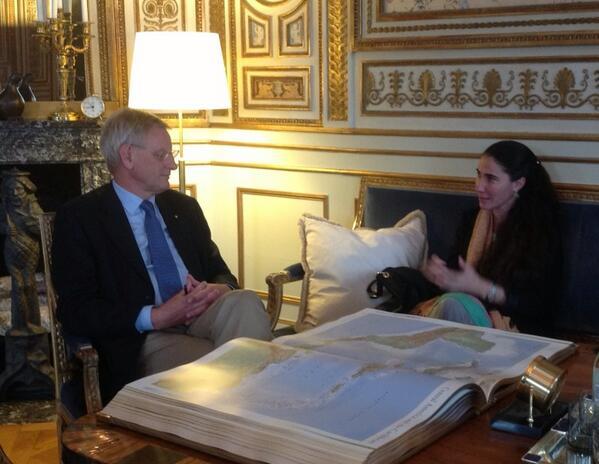 El canciller sueco Carl Bildt reunido con Yoani Sánchez