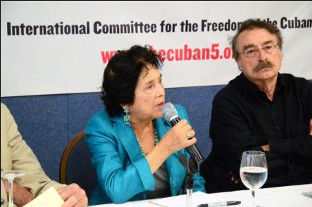 La luchadora social Dolores Huerta interviene en la inauguración de la jornada