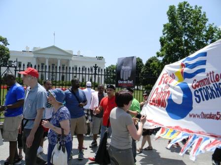 Manifestantes por la libertad de Los Cinco frente a la Casa Blanca este 1 de junio