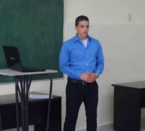 Eduardo Gonzàlez Martìnez en la discusiòn de su tesis