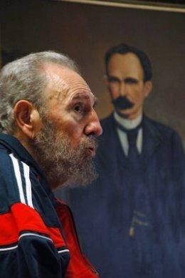 Fidel ya ha sido abrazado por Martí: Y echóse a andar. Por FidelDíaz