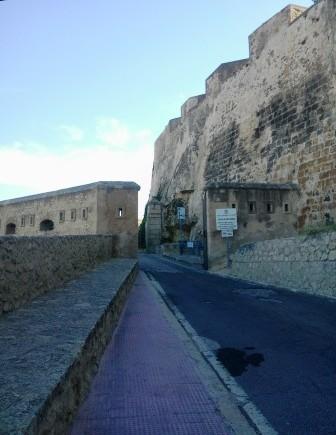 Entrada del Castillo de Santa Bárbara, en Alicante