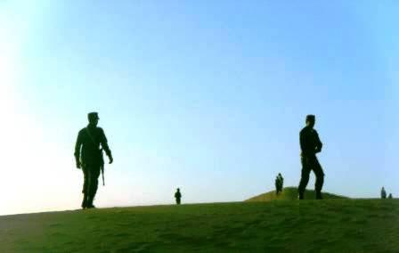 Soldados saharahuis en la duna