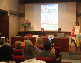 Junto a Juan Rafael Lorenzo de la Plataforma Canaria de Solidaridad con los Pueblos