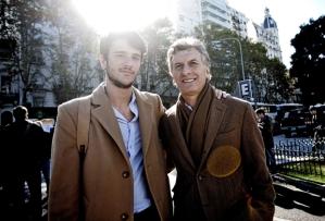 Pedro Robledo junto a Mauricio Macri.