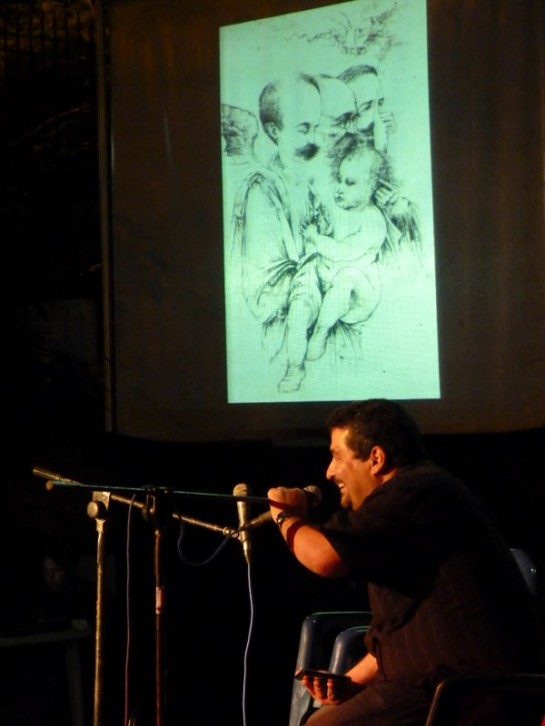 Presentando a Alajandro Gil. Foto: Rafael de la Osa