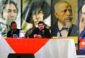 Junto a Yunier Riquenes en la presentación de Sospechas y disidencias en Ecuador