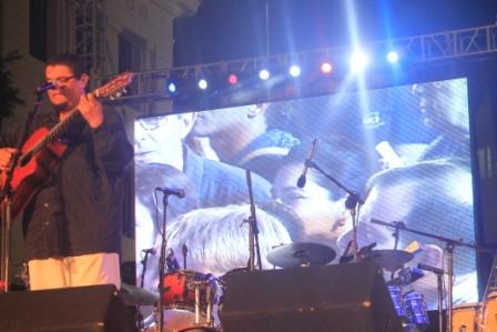 Eduardo Sosa en concierto de bienvenida a Fernando González.