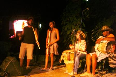 Jóvenes colombianos interpretaron la música de Aracataca en homenaje a Gabriel García Márquez.