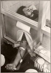 Junio de 1970: Fidel dona sangre para el pueblo peruano, asolado por un terrermoto