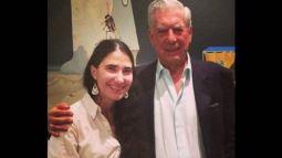 Yoani Sánchez junto a Vargas Llosa durante su visita a Perú.