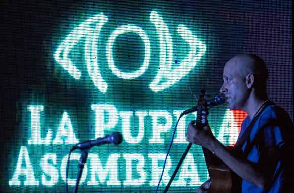 Leonardo García canta en la pupila asombrada.