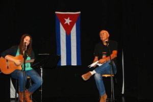 Lucía Socam y Víctor Casaus en el teatro Duque de Sevilla