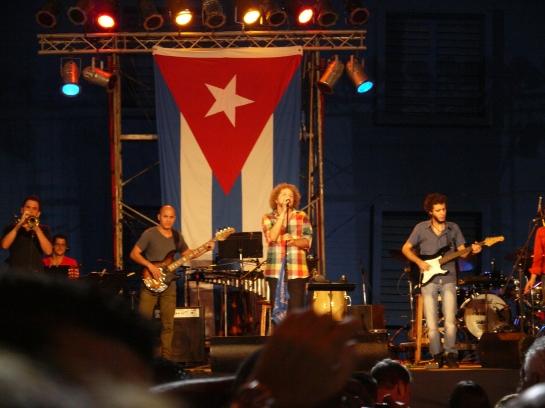 David Torrens inició el concierto y también expresó su alegría por el regreso de Los Cinco.