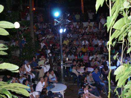 La asistencia de público repletó todo el espacio de La pupila asombrada.