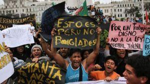 Protestas en Perú  contra la llamada Ley Pulpín.