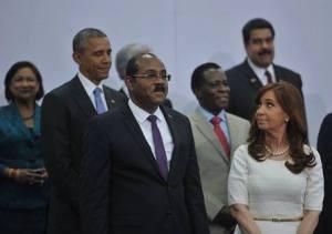 La presidenta argentina Cristina Fernández ezpuso en la Cumbre el uso de las ONGS con fines injerencistas.