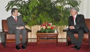 El Vicepresidente primero de Cuba Díaz-Canel y Cuomo. Foto: Juvenal Balán / Granma
