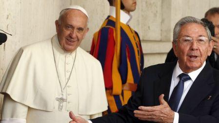 audiencia-Raul-Castro-Francisco-Vaticano_LPRIMA20150510_0076_31