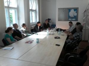 Intercambio con compañeros de Die Linke y Cuba sí en la sede del Partido.