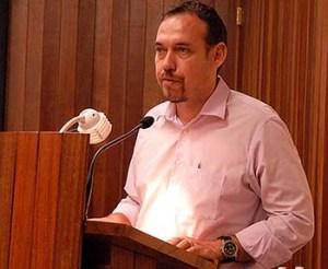 Raúl Garcés en el IV Pleno Ampliado del Comité Nacional