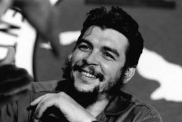 #LaPupilaTv Che: El hermano, el hijo, el estadista.(video)