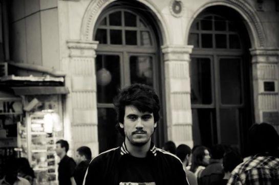 Kerem Schamberger, estudiante de doctorado en una Universidad de Múnich en una foto de su archivo personal FOTO: PRIVADA tomada de eldiario.es