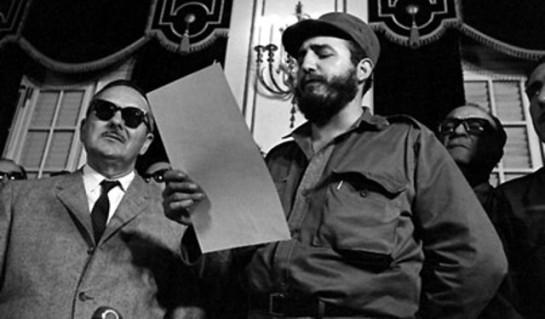 Fidel pronuncia su discurso en la toma de posesión como Primer Ministro.