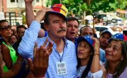 Vicente Fox y el plebiscito en Venezuela. Por Luis HernándezNavarro.